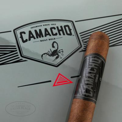 Camacho Coyolar Super Toro-www.cigarplace.biz-31