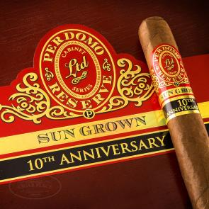 Perdomo Reserve 10th Anniversary Sun Grown Epicure Cigars-www.cigarplace.biz-21