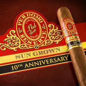 Perdomo Reserve 10th Anniversary Sun Grown Super Toro Cigars-www.cigarplace.biz-21